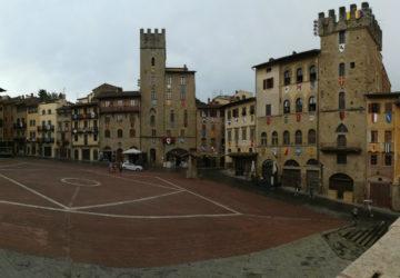 Arezzo-piazza-grande