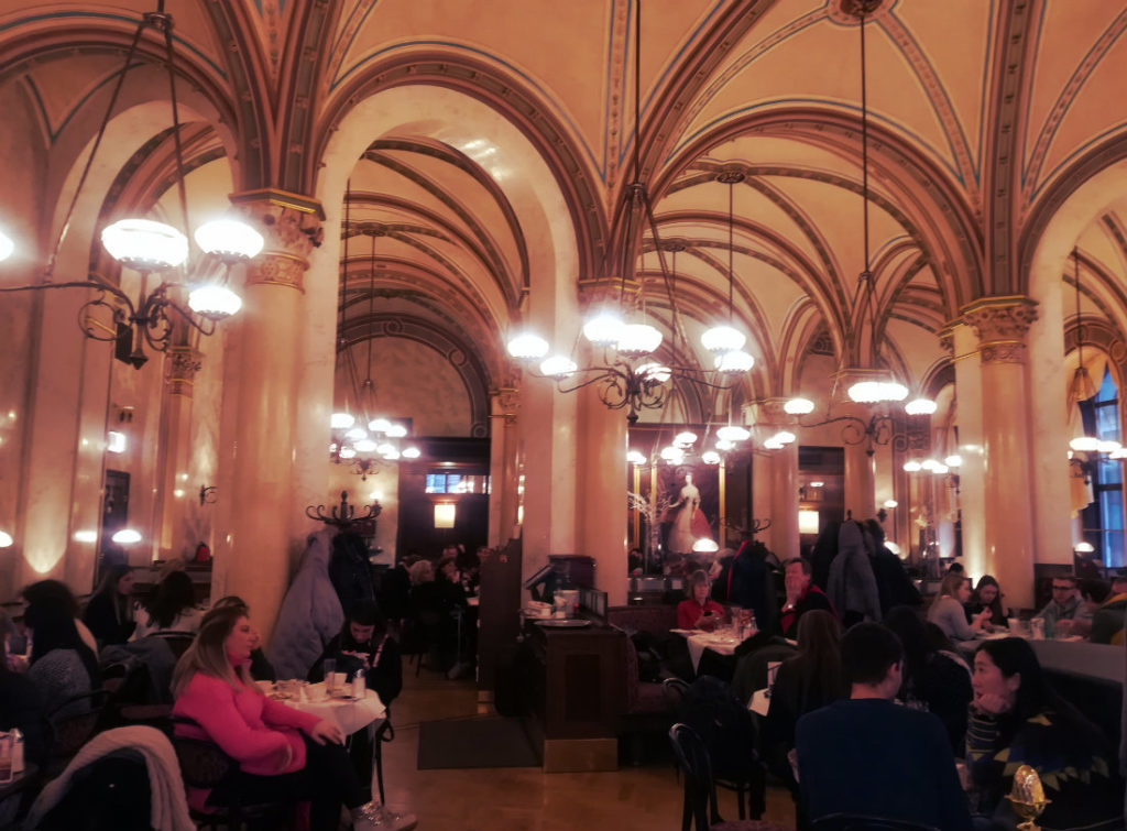 week-end-a-vienna-cafe-central